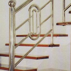 Stainless Steel '304' Balcony Railing (Curve) 01