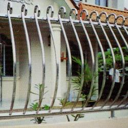 Stainless Steel '304' Balcony Railing (Curve) SSR 04